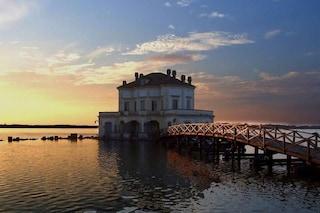 Visitare la Casina vanvitelliana: passeggiata romantica sul lago del Fusaro