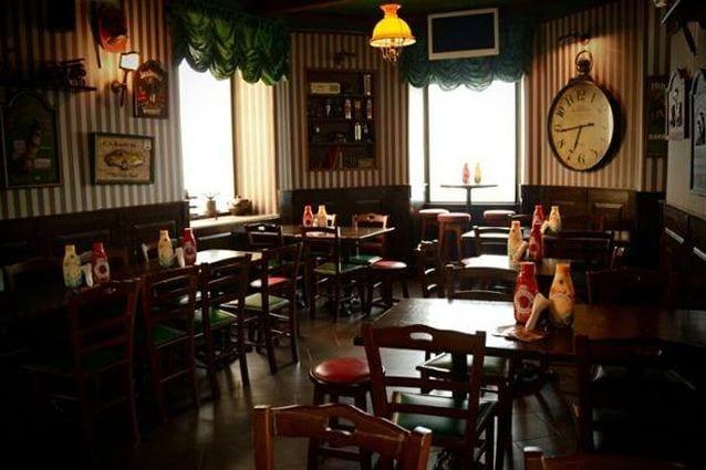 Arredamento del McCools Pub al Vomero