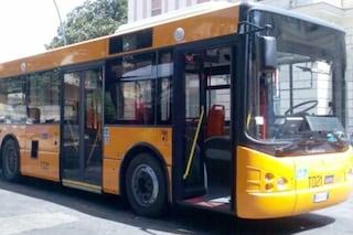 Colpita dall'autobus in manovra, donna ricoverata in ospedale per sospetto trauma cranico