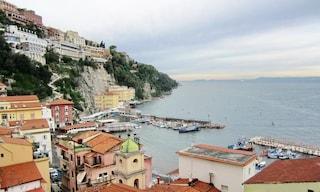 Nemmeno in mare si sta tranquilli: a Sorrento 'pirati' armati rapinano gommone da 90mila euro