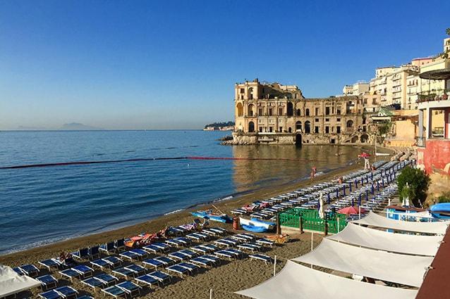 Spiaggia del Bagno Elena a Napoli