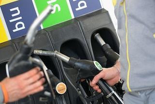 Benzina col trucco: capire se il distributore è manomesso o c'è carburante di contrabbando