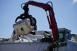 Piano rifiuti per lo stop di Acerra: nessun nuovo sito, c'è l'ingresso dei privati