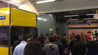 Trasporti Napoli, la settimana inizia male: guasti e ritardi sulla Linea 1 della metro