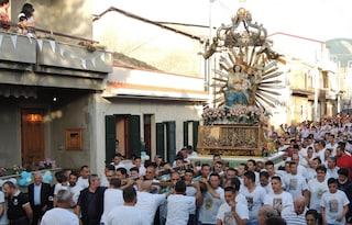 Le processioni religiose in Campania restano sospese causa Covid