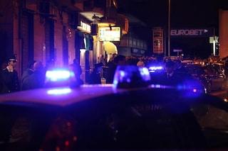 Palma Campania, spara ai gestori del chiosco sotto casa per gli schiamazzi: un morto e due feriti