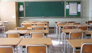 Napoli, ladri nella scuola Casanova, rubati computer e aule vandalizzate