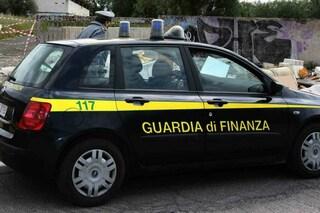 Gasolio spacciato per olio per evadere Fisco: 300mila litri sequestrati donati ai pompieri