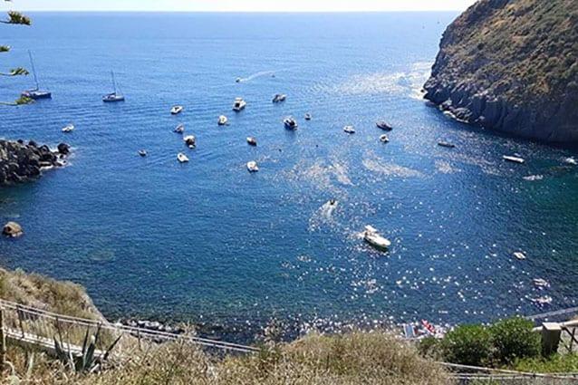 Baia di Sorgeto, Ischia (Facebook)