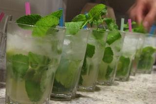 Serve alcolici a ragazzini, chiuso un bar di Chiaia