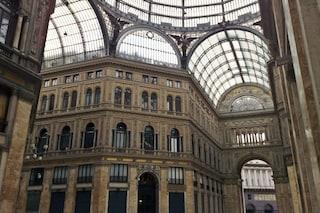 """Vincita al superenalotto a Napoli: """"5+1"""" in un bar della Galleria Umberto"""
