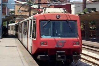 Baiano, deraglia un treno della Circumvesuviana: passeggeri in salvo