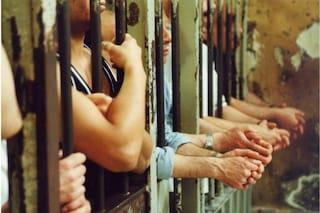 La vaccinazione nelle carceri della Campania è partita. Ma è a macchia di leopardo