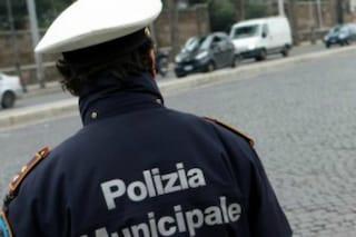 Covid Napoli, 30 agenti positivi, 170 in isolamento: Polizia Municipale in difficoltà