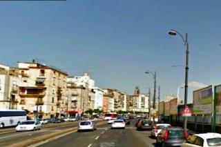 Napoli, palazzo pericolante in via Marina: traffico in tilt, città bloccata