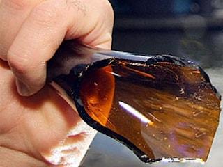 Rissa in piazza Garibaldi, 24enne con la gola squarciata con una bottiglia rotta