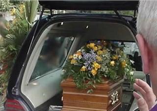 Il Comune di Albanella paga il funerale di un uomo: nessuno ha reclamato il corpo in ospedale