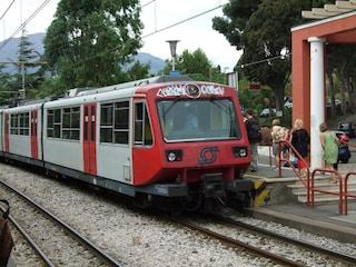 """Divieto di spostamenti in Campania, i dubbi dei pendolari: """"Per Circum e bus come si fa?"""""""