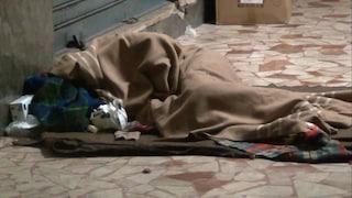 A Napoli vaccino Covid per migranti e senzatetto. Codici fiscali temporanei per la prenotazione