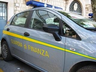 Ginecologo intasca il risarcimento per il paziente, la Finanza gli sequestra 500mila euro