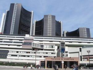 Il Tribunale di Napoli