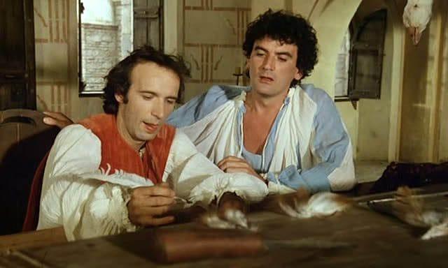 """Roberto Benigni e Massimo Troisi in una scena di """"Non ci resta che piangere"""""""