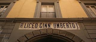 Colpi di pistola davanti al liceo Umberto, gli spari dopo un raid punitivo