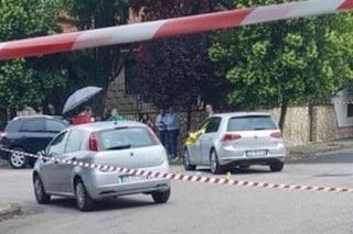 Napoli, uomo ferito da tre proiettili durante un agguato: è grave