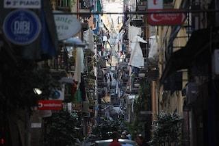 Il Grande Hotel Napoli, la politica e la città ribelle