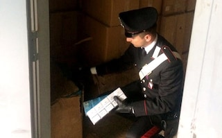 Spari contro la casa del contrabbandiere, indagini sul traffico di sigarette