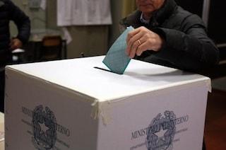 """""""Dammi il voto"""": regalavano soldi o promettevano lavoro, 14 indagati a Torre del Greco"""