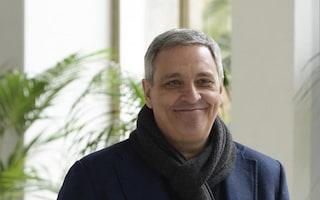 Rubato lo scooter allo scrittore Maurizio De Giovanni: il duro sfogo del figlio