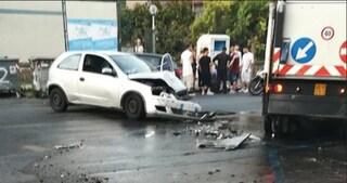 Camerota, ha un malore mentre guida e si schianta con l'auto: ferita una 22enne