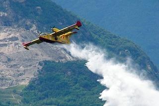 Canadair in avaria atterra all'aeroporto di Capodichino: bloccati tutti i voli