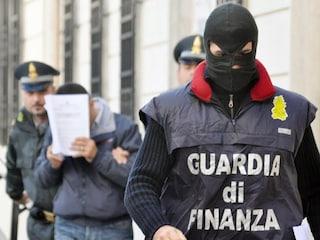 Cilento, re del cemento coi soldi della bancarotta: 5 arresti, c'è anche un carabiniere