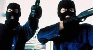 Rapina a mano armata in una sala slot di Quarto, banditi sparano e feriscono un dipendente