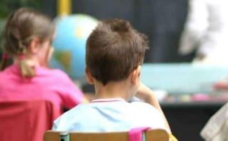 Afragola, bimbo autistico escluso dalla recita di Natale: una festa per lui nella nuova scuola