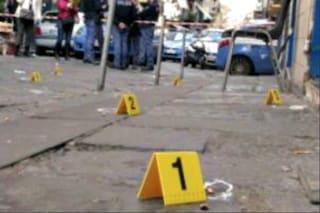 Terrore a Pianura, inseguimento e spari tra due automobili tra le case