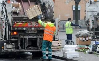 Giugliano, devastati 30 automezzi della Tekra: raccolta rifiuti nel mirino