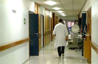 Violenza negli ospedali di Napoli: aggrediti una dottoressa e una guardia giurata