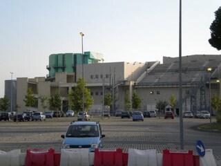 Soccavo, al buio il parcheggio del Polifunzionale, sede di Polizia Municipale e Municipalità