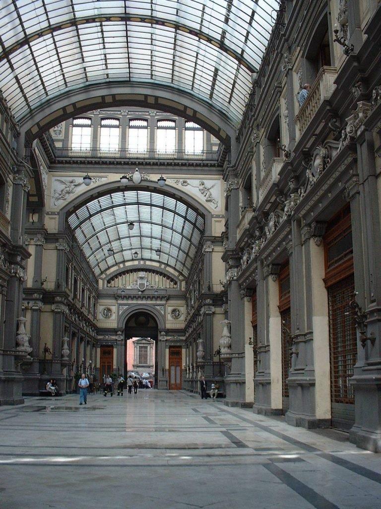 Galleria Principe di Napoli nel 2002.