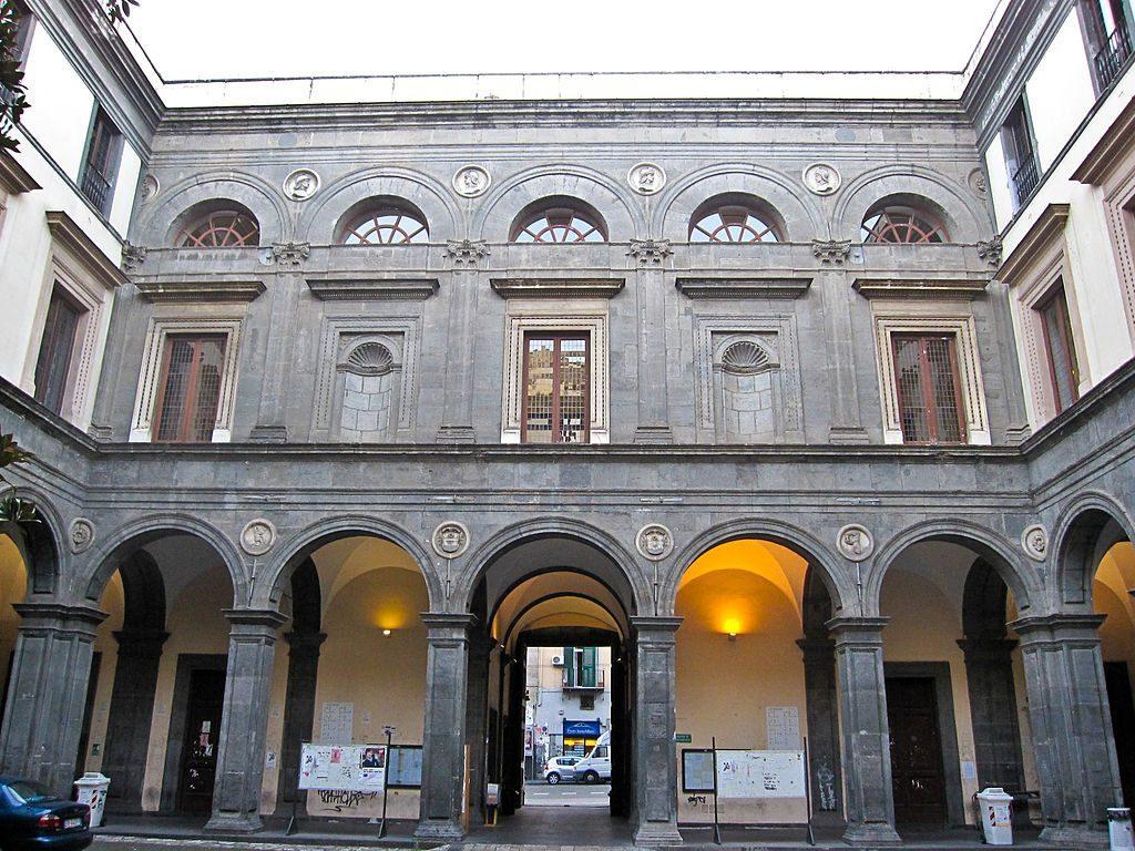 Cortile di Palazzo Gravina.