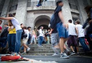 Napoli, messaggi hot con studentesse: professore del liceo Giambattista Vico ai domiciliari