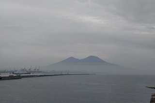 Meteo Napoli: l'estate arriva nel weekend, ma nel frattempo nuvole e afa