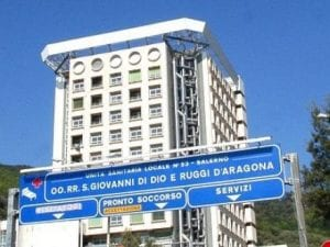 Salerno Muore In Ospedale 10 Giorni Dopo Lintervento Aperta Un