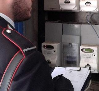 Castellammare, allaccia il contatore dell'energia elettrica alla rete pubblica: arrestato