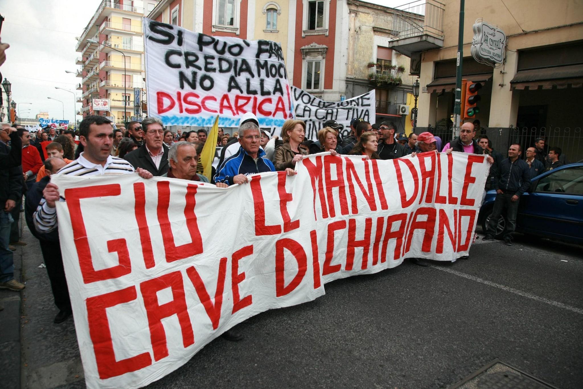 Le proteste prima dell'apertura della discarica a Chiaiano
