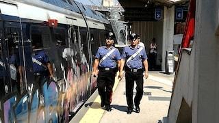 Ercolano, ruba il portafogli ad un turista in Circumvesuviana e lo fa cadere: arrestato