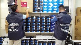 Batterie per smartphone false e pericolose per la salute: sequestrati 21mila pezzi in Irpinia